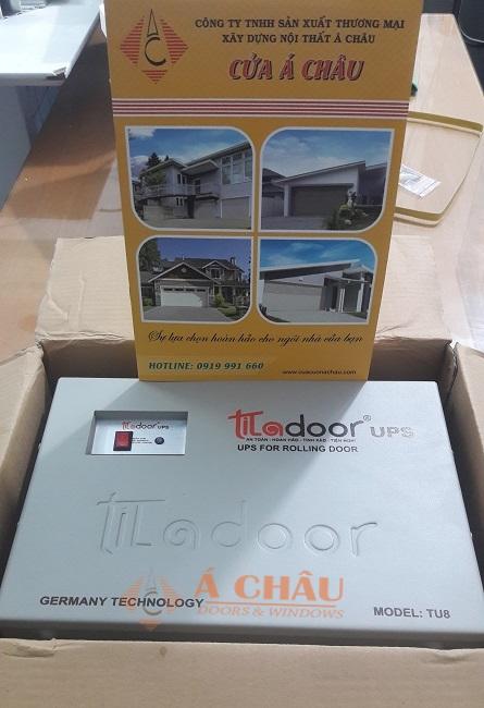 bình lưu điện cửa cuốn titadoor