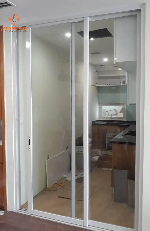 cửa đi mở lùa 2 cánh nhôm xingfa