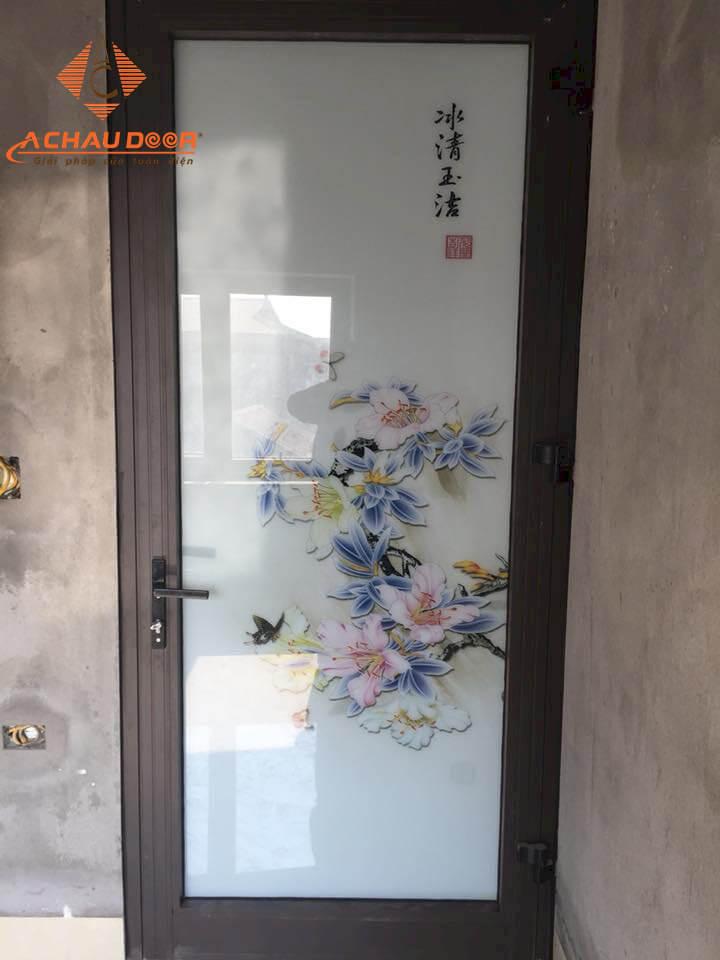 cửa nhà vệ sinh dùng nhôm hệ