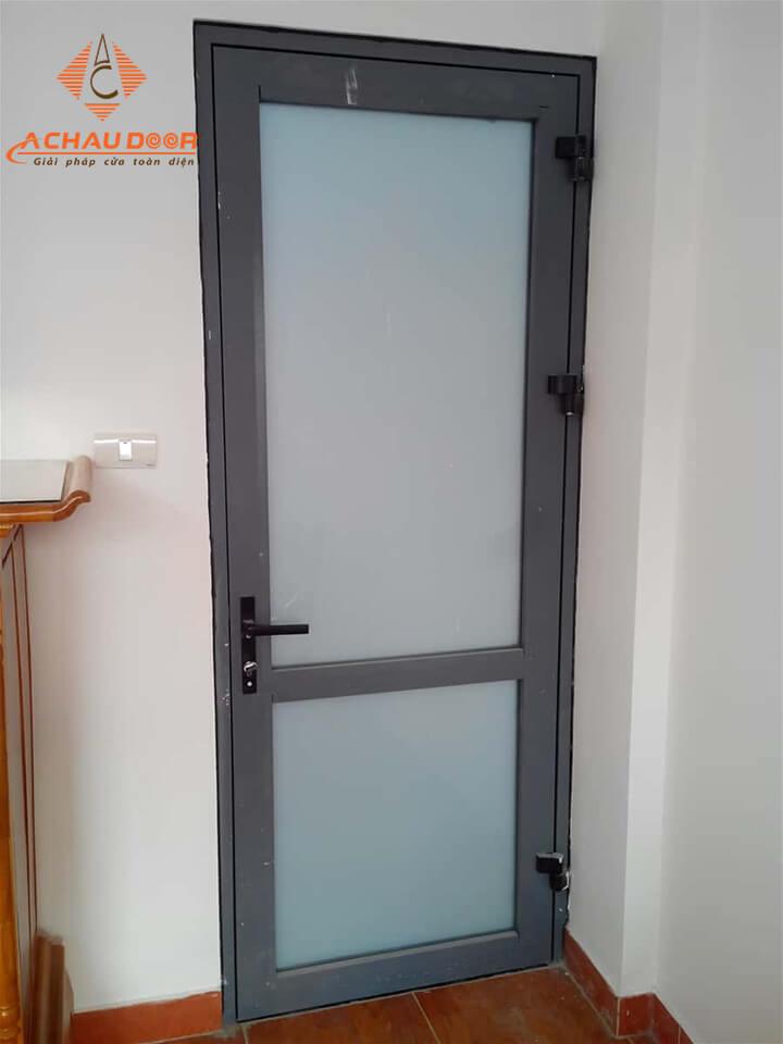 cửa phòng ngủ 1 cánh nhôm kính đẹp
