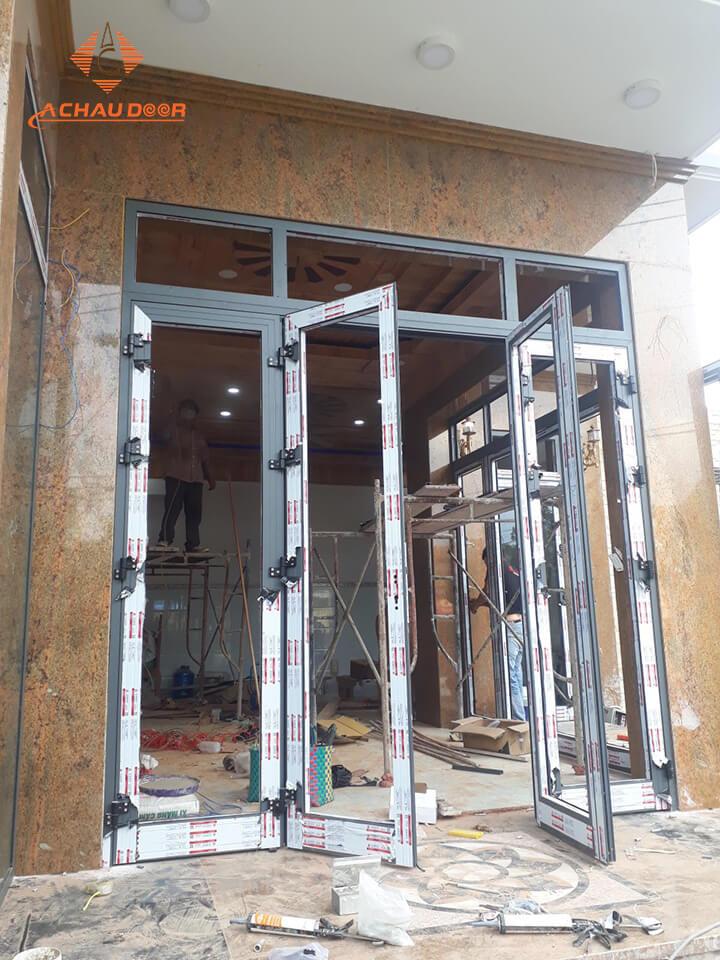 Lắp đặt cửa nhôm xingfa tại Hóc Môn