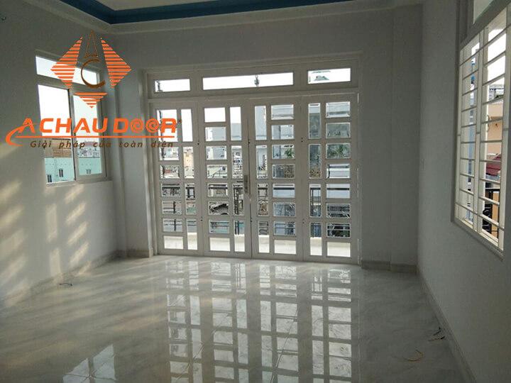 cửa nhôm kính 4 cánh xingfa màu trắng