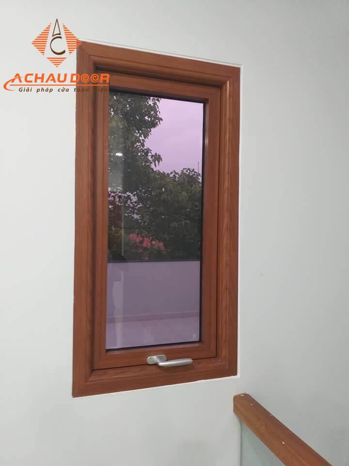 Mẫu cửa sổ 1 cánh nhôm giả gỗ