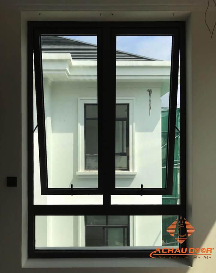 cửa sổ mở hất nhôm xingfa màu xám ghi