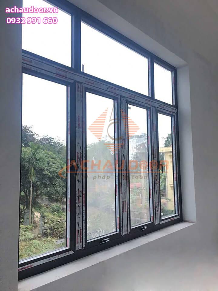 Mẫu cửa sổ 4 cánh mở bật nhôm Xingfa