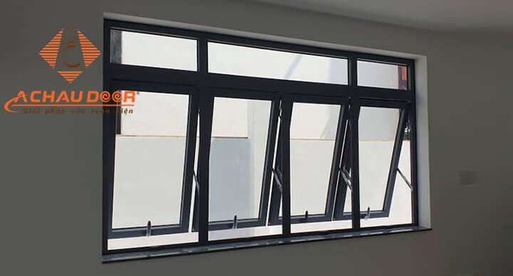 Lắp đặt cửa sổ 4 cánh mở hất