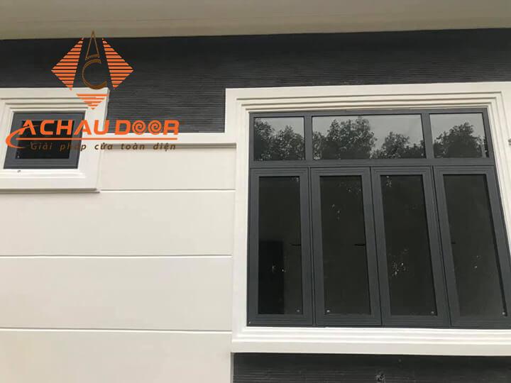 Mẫu cửa sổ 4 cánh chất liệu nhôm kính