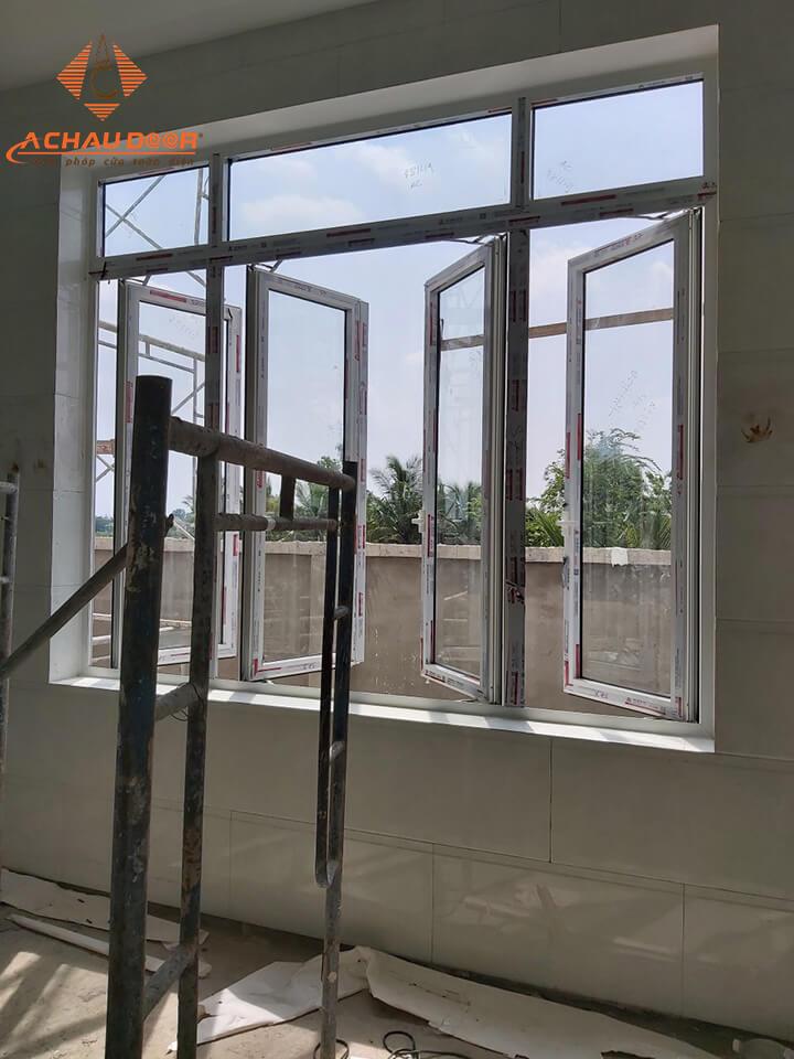 Thi công lắp đặt cửa sổ 4 cánh nhôm Xingfa