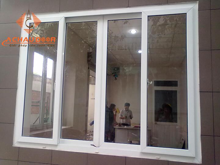 Cửa sổ 4 cánh nhôm Xingfa màu trắng