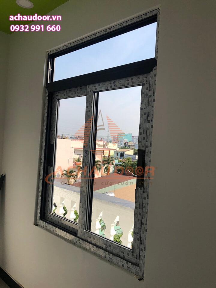 Cửa sổ 2 cánh mở lùa đẹp và sang trọng