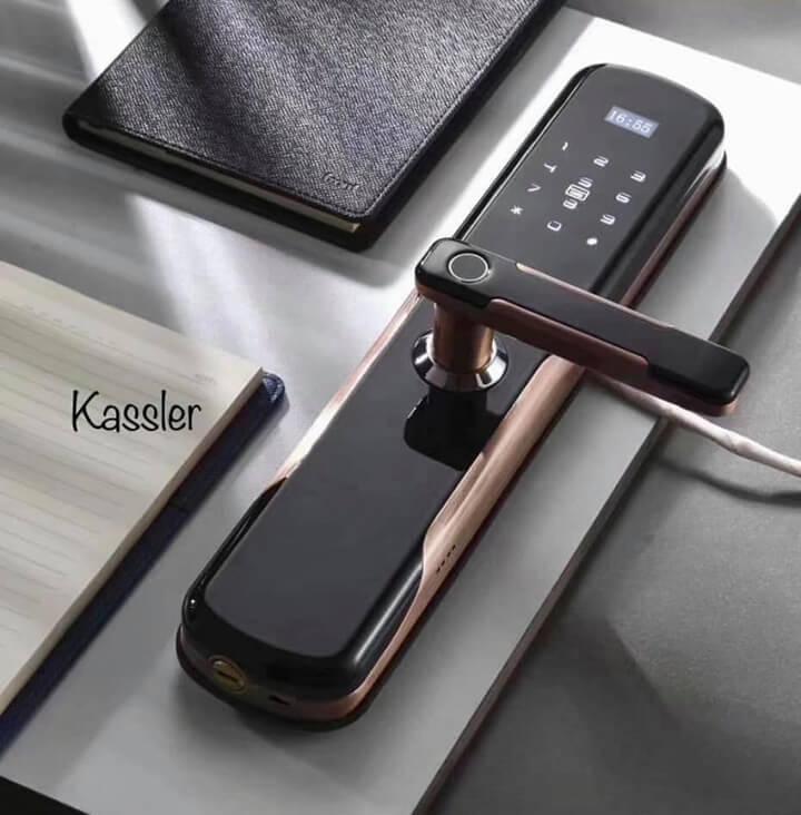 Mẫu khóa vân tay Kassler KL-600 được làm từ vật liệu Titan siêu bền