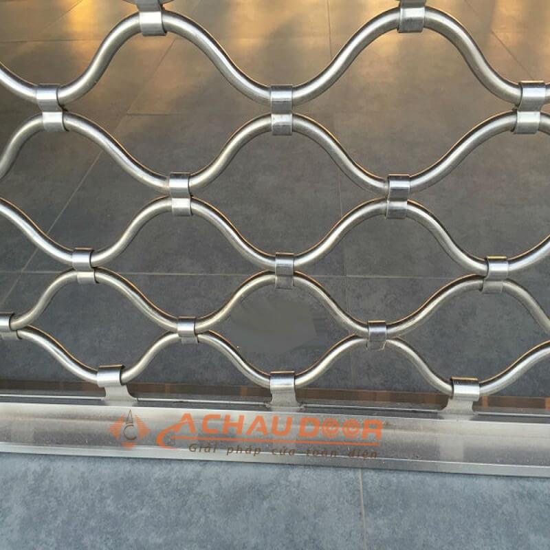 mẫu cửa cuốn mắc võng inox 304